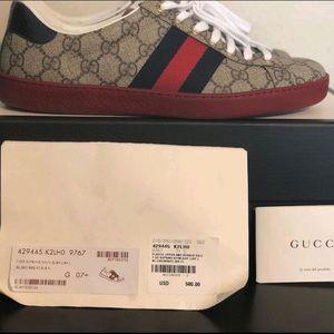 Gucci sneaks